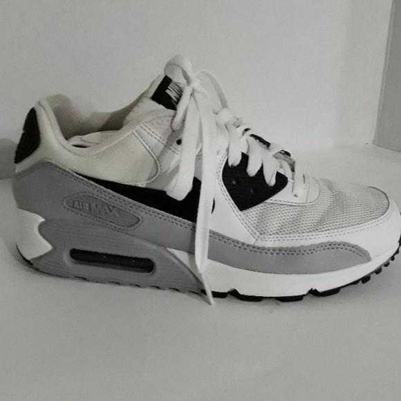 Nike Air Max 90 Essential (Women's)